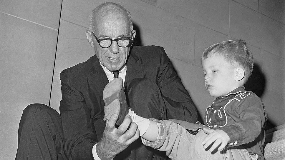 Трагедия доктора Спока. Что произошло 14 июля? 14 июля  1946 года в свет вышло первое издание легендарной книги доктора Бенджамина Спока «Уход за ребенком и его воспитание».