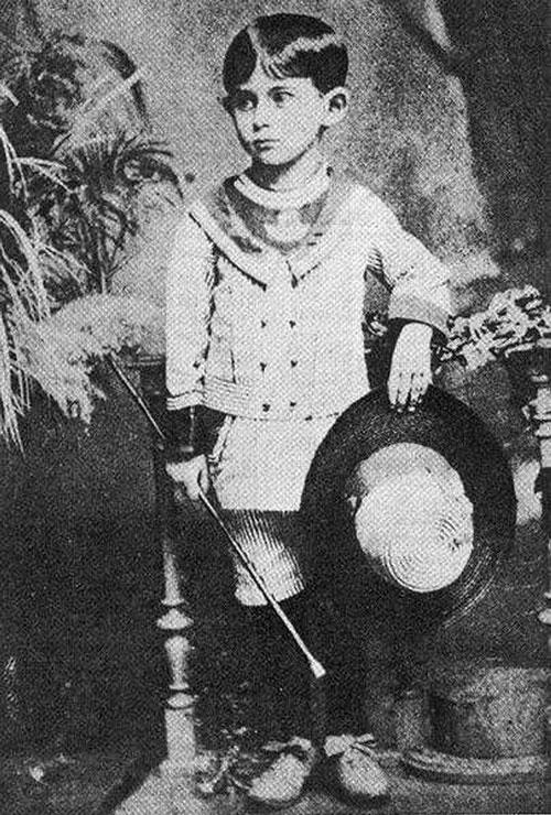 Что случилось 3 июля? 3 июля 1883 года родился писатель абсурда и фантасмагории — Франц Кафка