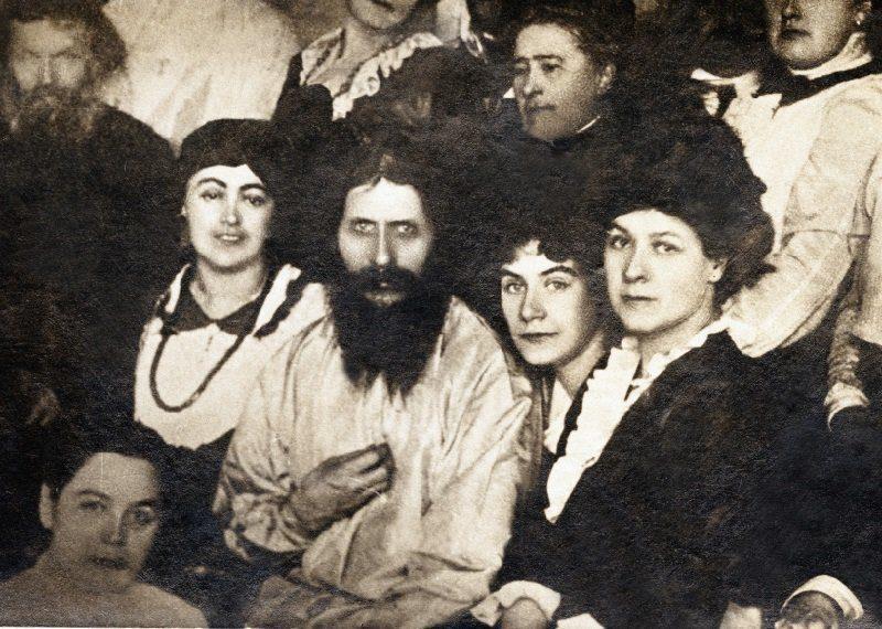 Что произошло 19 июля? 19 июля 1914 года на Григория Распутина было совершено первое и неудачное покушение.